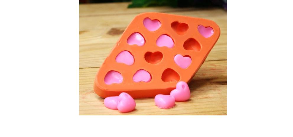 Forma de Silicone Coração com Gota P 12 cavidades